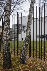 ancien mur de Berlin fuite du soldat (Edwige7833) Tags: berlinnovembre16 traces mur berlin