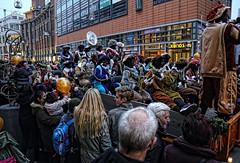Band (Jan Kranendonk) Tags: denhaag thehague sinterklaas zwartepiet holland dutch people mensen grotemarktstraat intocht