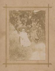 Child, 1900 (Robert Barone) Tags: 1900 fondi italia italiani italians italy vintage famiglia family fotodepoca