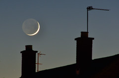 Coming down the Chimney (gwenael.blanck) Tags: moon cresent astro roof earthshine lumierecendree lune toits cheminées chimney
