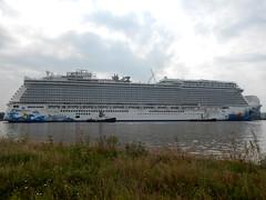 Norwegian Escape - Meyer Werft - Papenburg 2015 (hjvandervegt) Tags: escape norwegian meyer werft papenburg cruiseschip