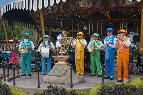 "Disneyland Pearly Band • <a style=""font-size:0.8em;"" href=""http://www.flickr.com/photos/28558260@N04/20524708636/"" target=""_blank"">View on Flickr</a>"