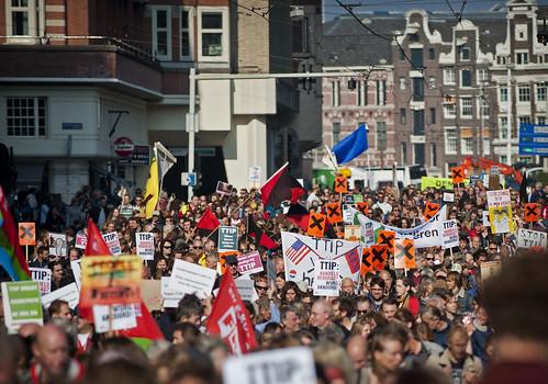 Landelijke demonstratie in Amsterdam: Sla alarm tegen TTIP