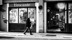 Srie Limite 5 / L'homme dans la ville - Dans les murs 5/16 (luzYmu) Tags: grenoble rue srie
