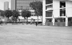 Marina Bay, Singapore. 2015 (Mambo Ferido) Tags: blackandwhite bw 35mm voigtlander streetphotography hp5 ilford nokton distant shadesofblue fromhere leicam4