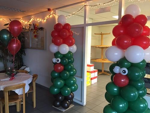 Ballonpilaar Kerstboom Sulzer Turbo Services Rotterdam