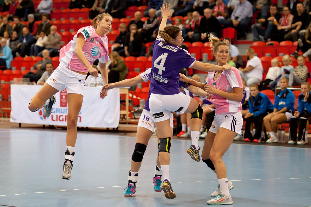 larvik women Larvik håndballklubb, is a women's handball club from larvik, norway larvik hk full name: larvik håndballklubb: short name: larvik: founded: 31 may 1990.