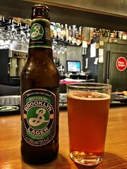 Brooklyn lager (Orzaez212) Tags: artesana imported usa cerveza birra ny new york bebida alcohol drink botella vaso color olympus filtro bar mlaga cerveceria centralbeers lager rubia flickrtravelaward beverage tomar