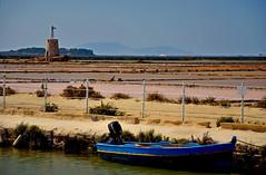 Saline dello Stagnone - Trapani (Massimo Frasson) Tags: italia italy sicilia trapani marsala salinedimarsala sale mulini muliniavento mare costa sole barche turistico pittoresco porto salinedellostagnone
