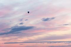 balloon (kipuna) Tags: kuumailmapallo taivas auringonlasku suomi finland balloon sunset sky clouds pink
