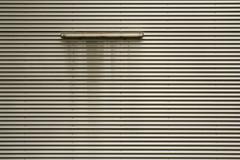 Sie waren Gefangene, eingesperrt in der Welt, die sie erschaffen hatten (raumoberbayern) Tags: abstract minimal stripes streifen wellblech corrugatedmetal halle hall munich mnchen robbbilder urbanfragments grey grau neonrhre neonlight gray