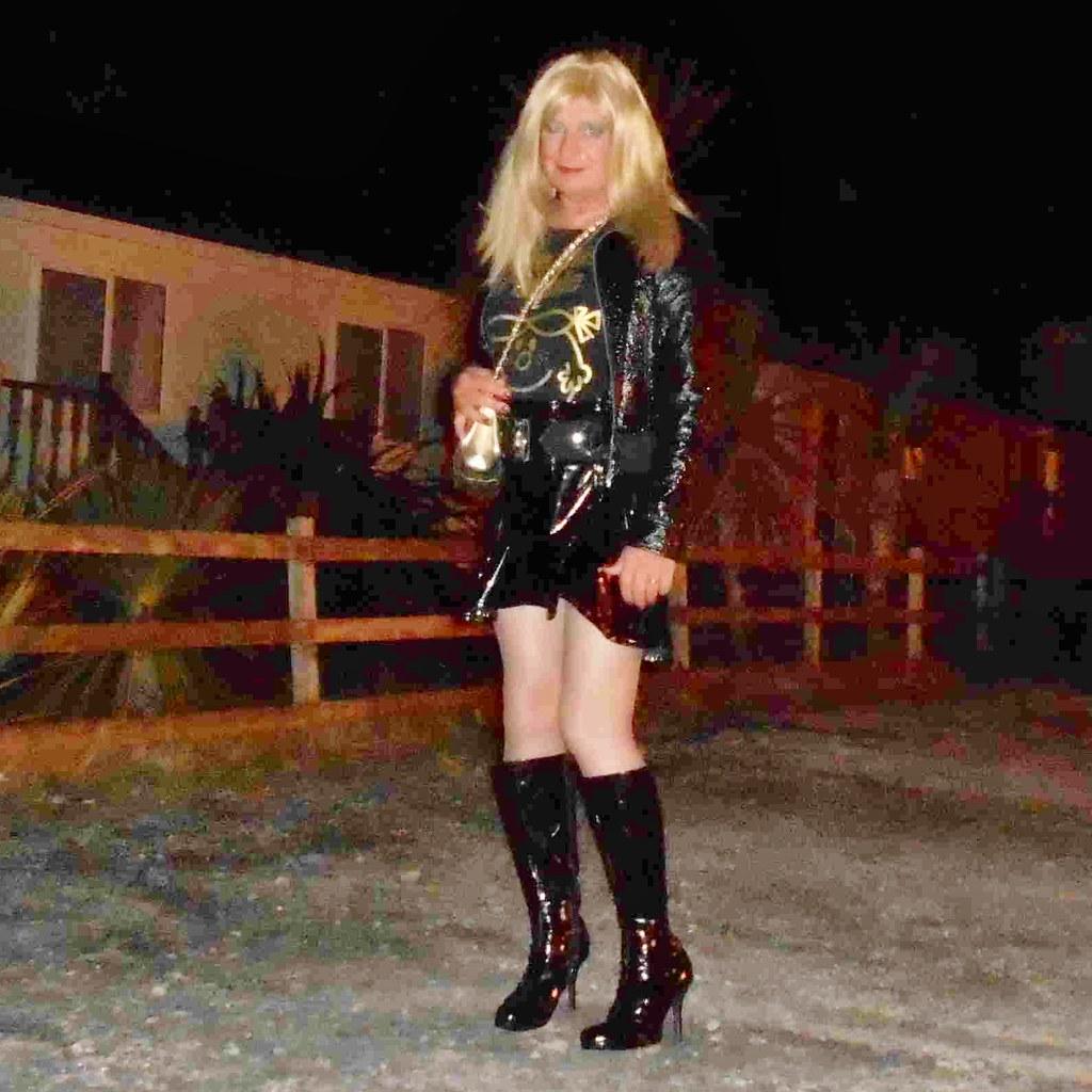 Hot blonde girl peeing