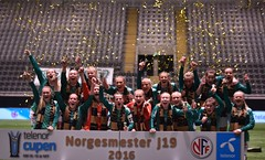 DSC_9677 lagbilde Klepp J19 jubel gull NM (karlsenfoto) Tags: cupfinale j19 klepp lsk kvinner telenor arena 18112016
