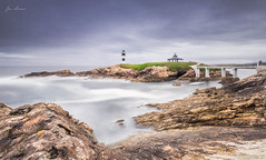 Isla Pancha, Ribadeo (bruzos photography) Tags: ocean lighthouse water landscape faro island mar agua rocks fuji galicia lugo fujinon 1024 ribadeo xt1 islapancha