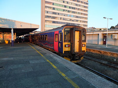 153318 & 153372 Plymouth (5) (Marky7890) Tags: station train plymouth railway devon dmu class153 fgw supersprinter 2c51 153318 153372