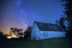 la chapelle de st Gonvel (fubu.flemm) Tags: france stars brittany religion bretagne bleu paysage nuit chapelle étoiles étoile argenton voielactée
