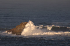 Rock and waves (ramosblancor) Tags: sea naturaleza nature rock mar waves asturias olas roca seafoam espuma marcantbrico