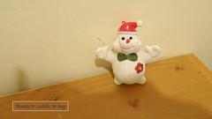 Bonhome de neige (Julie70 Joyoflife) Tags: home december tabletop entre chezmoi bonhommedeneige photojuliekertesz