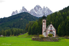 Church of St. John of Nepomuk in Ranui, Val di Funes, Dolomites, Italy (GSB Photography) Tags: church sangiovanni stjohann italy funes bolzano dolomites johnofnepomuk trentino baroque valley worship mountains peaks forest pasture greaterdolomitesroad valdifunes building serene serenity shrine trees nikon d60