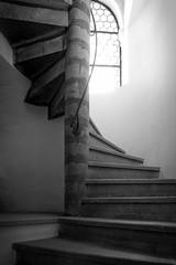Basilika St. Lorenz (pix-4-2-day) Tags: spiral staircase wendeltreppe blackandwhite schwarzweis kirche church basilikastlorenz kempten allgu bayern germany bavaria deutschland fenster window handrail handlauf stufen steps