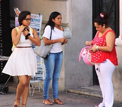 "Buying ""Lotenal"" tickets (Lotera Nacional de Mxico) - IMG_4864 (Dis da fi we (was Hickatee)) Tags: merida mexico lotenal loterianacionalmexicana loteria nacional mexicana lottery lotto"