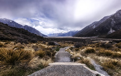 Little by little one travels far... (Lisa Sabater-Mozo) Tags: newzealand mt cook spring middleearth lordoftherings southisland chasinglight canon5dsr tasmanglacierlookout