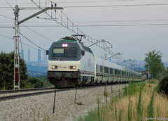 252-014 con Train & Breakfast (Javi FJ) Tags: renfe adif tren estacion talgo trenhotel train breakfast galicia peregrinos madrid spain