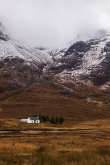 Alone Home (Paul Millet) Tags: paysage landscape roadtrip 2016 uk maison home seule alone travel travelling voyage trip scotland europe vacation neige snow giant montagne montain canon eos 50d digital photography photo nuages clouds