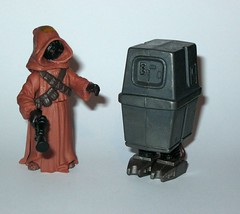 jawa with gonk droid star wars power of the force 2 starburst card basic action figures 1999 hasbro e (tjparkside) Tags: potf2 1999 star wars power force 2 two starburst card cardback jawa gonk droid droids jawas comm chip display stand basic action figure figures hasbro sw anh new hope ep episode 4 iv four commtech ionization gun tatooine scavenger desert energy traders mechanic mechanics foot holes variant version eg6 e g6