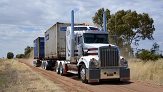 Scholz Bulk Haulage (quarterdeck888) Tags: trucks transport semi class8 overtheroad lorry heavyhaulage cartage haulage bigrig jerilderietrucks jerilderietruckphotos nikon d7100 frosty flickr quarterdeck quarterdeckphotos roadtransport highwaytrucks australiantransport australiantrucks aussietrucks heavyvehicle express expressfreight logistics freightmanagement outbacktrucks truckies sbh scholz scholzbulkhaulage kw kenworth t409 sar t409sar kenwortht409 container containerskels bdouble grain harvest farm country dustyroad