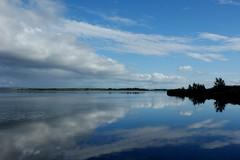 Laugarvatn (oeiriks) Tags: sky cloud lake reflection water iceland laugarvatn oeiriks sonyalpha350