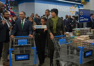MMB@WalmartGrandOpening.10.28.15.Khalid.Naji-Allah-3521