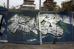 Isno - DLR Royal Victoria (Grafflix.co.uk) Tags: graffiti illegal graff dlr fdc dfn grafflix isno izno