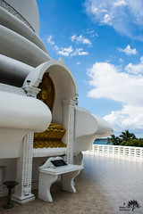 Japanese Peace Pagode (Ben Garssen) Tags: blue sky white temple gold nikon asia peace buddha country sri lanka pearl azie pagode japenese d5200 buddja