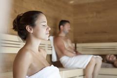Entspannen in der Sauna (Thermenhotel Vier Jahreszeiten) Tags: hotel wellness therme vierjahreszeiten loipersdorf hotelvierjahreszeiten wellnessurlaub wellnesshotel hotel4jahreszeiten thermenhotel