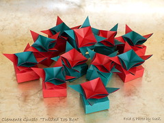 Twisted Top Box or Flower Box by Clemente Giusto (esli24) Tags: origami flowerbox origamibox esli24 ilsez clementegiusto toptwistedbox origamischächtelchen