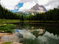 The Lake Antorno in the Belluno Dolomites (Ostseetroll) Tags: antornosee belluno geo:lat=4659445294 geo:lon=1226450077 geotagged ita italien misurina dolomiten dolomites dolomiti see lagodiantorno lake spiegelungen reflections italia italy alpen alps dreizinnen trecrimedilavaredo