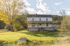Old Home Place (Singing Like Cicadas) Tags: home building weathered worn old fall pocahontascounty appalachia onethousandgifts outdoors mountains 2016 autumn october westvirginia