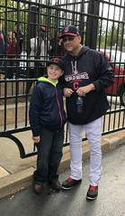 Indians skipper Terry Francona poses with a young fan before #WorldSeries Game 1. (apardavila) Tags: postseason wordseries baseball clevelandindians majorleaguebaseball mlb progressivefield sports terryfrancona worldseries