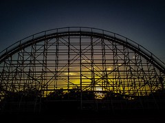 (photo.po) Tags: sunset rollercoaster sixflagsovertx tx canon canong10 backlighting