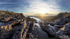 - Vers l'infini - (Frog 974) Tags: îledelaréunion coucherdesoleil ravine creuse rivière des remparts ngc
