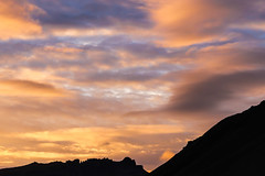 Pentes raides au coucher du soleil (Larch) Tags: mountain sky scenery landscape cloud pente penteraide slope steepslope islande iceland contraste contrast snaefellsnes pninsuledesnaefellsnes