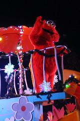 Sesame Place: Neighborhood Street Party Christmas Parade - Murray (wallyg) Tags: amusementpark buckscounty langhorne neighborhoodstreetpartychristmasparade neighborhoodstreetpartyparade parade pennsylvania sesameplace themepark murray sesamestreet
