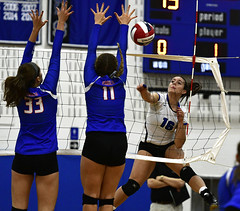 vballsouthington-BR-110216_1161 (newspaper_guy Mike Orazzi) Tags: 70200mmf28gvr volleyball sports nikon d500 tollandhighschool southingtonhighschool indoorsports availablelight highiso girls net court