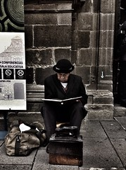 Don boleto leyendo One Man Only One Person Suit Social Issues Sitting Business Only Men Black Color People Adult Cold Temperature Adults Only Outdoors Day CDMX. Filux Mexico 2016 (ganjareta_owan) Tags: onemanonly oneperson suit socialissues sitting business onlymen blackcolor people adult coldtemperature adultsonly outdoors day cdmx filuxmexico2016