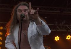 Sign of the horns (Steffe) Tags: singer rockfestival stonerrock trädgårdsrock abramisbrama