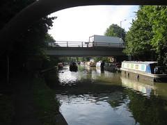 150815_07 (Bushy Park Boy) Tags: walking boats miltonkeynes bridges canals grandunioncanal lorries longwalks onlyconnect bigwalk b2t beestontoteddington bletchleytocheddington