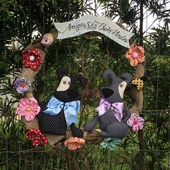 Guirlanda Cachorrinhos (Pina & Ju) Tags: flor artesanato guirlanda cachorro fuxico patchwork