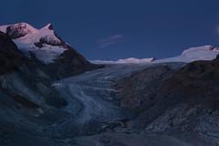 Findelgletscher ohne Mond mit Abendrot (swissgoldeneagle) Tags: mountain mountains berg schweiz switzerland glacier berge zermatt gletscher wallis ch valais afterglow abendrot findel d700 findelgletscher findelglacier