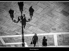 tourists (magicoda) Tags: street venice shadow sea people blackandwhite bw italy woman sun white black feet water panties backlight see donna nikon couple italia foto wind candid patterns ombra panty skirt curioso tourist bn ombre persone thong voyeur barefoot wife upskirt fotografia vpl dslr sole venezia nero sandal gonna piedi biancoenero controluce vento turisti coppia seethru turista veneto d300 2015 vedere perizoma turists blackwhitephotos turiste streetphotografy magicoda davidemaggi maggidavide